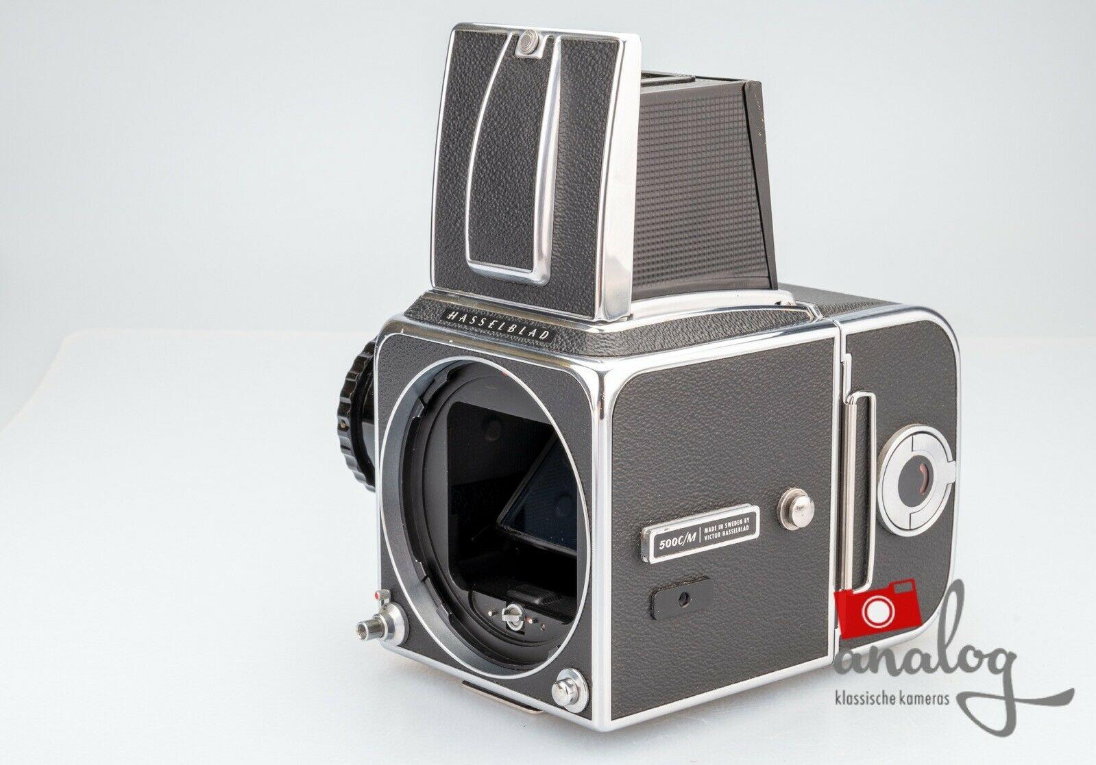 Hasselblad 500 CM C/M chrome mit Magazin A12 - werkstattüberholter Topzustand