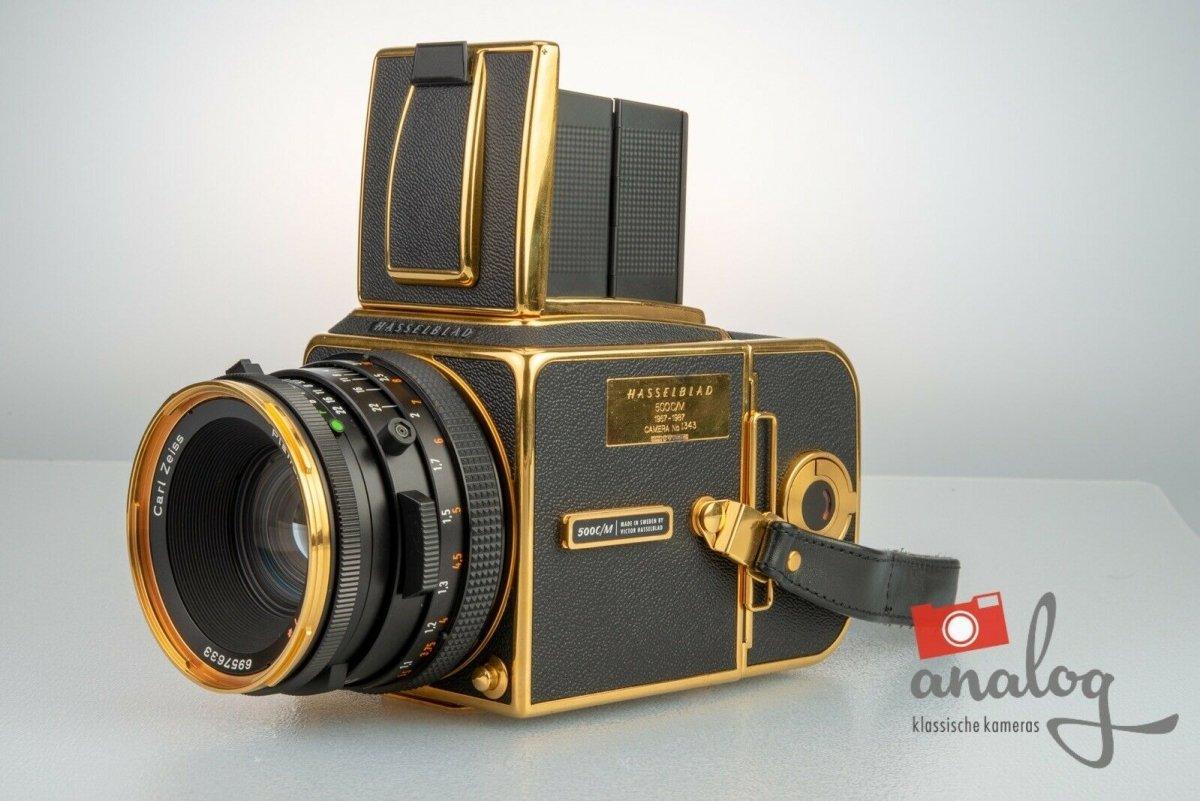 Hasselblad 500 C/M GOLD Kit – 30th Anniversary